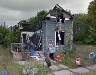 Zdjęcia z Google Street View ujawniają szokującą gwałtowność upadku Detroit