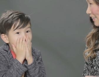 Wideo pokazuje reakcje dzieci, które dowiadują się od rodziców, skąd tak naprawdę dzieci się biorą
