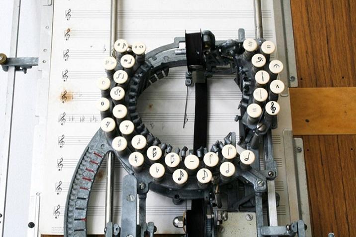 stara-maszyna-do-pisania-1