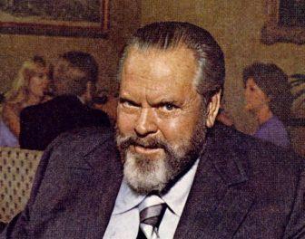 Outtake z reklamy szampana pokazuje mocno dziabniętego Orsona Wellesa zmagającego się z wygłoszeniem swojej kwestii